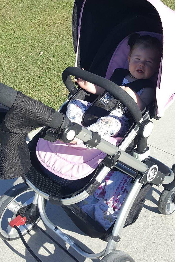 #babybeeprams  (pic by @lauradobson.net_)