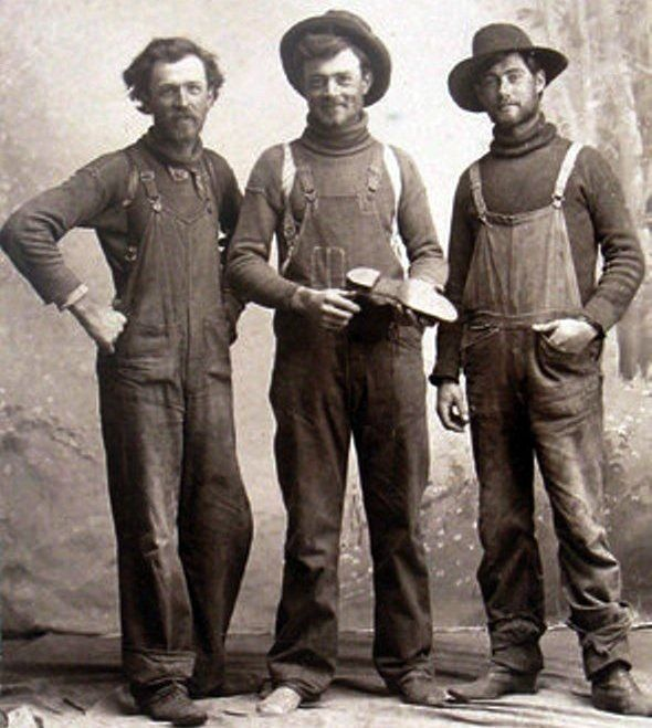 Workers, 1898 (the one on the right looks like Jude Law)