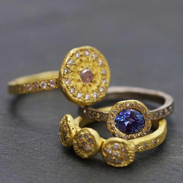 Bague or diamants roses