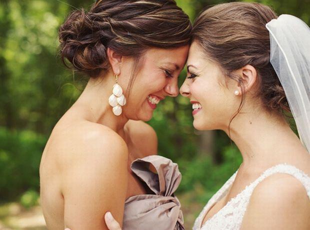 10 λόγοι που αγαπάς την κουμπάρα σου σαν αδερφή σου - Living | Ladylike.gr