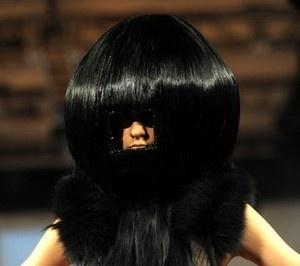奇抜な髪型 変なヘアスタイル