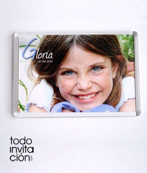 Recordatorio / detalle de comunión. Imanes de nevera de 10x7 cm (metacrilato) personalizados con la foto que envíes. Te añadimos el texto que desees poner