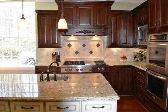 Kitchen cabinet color combo