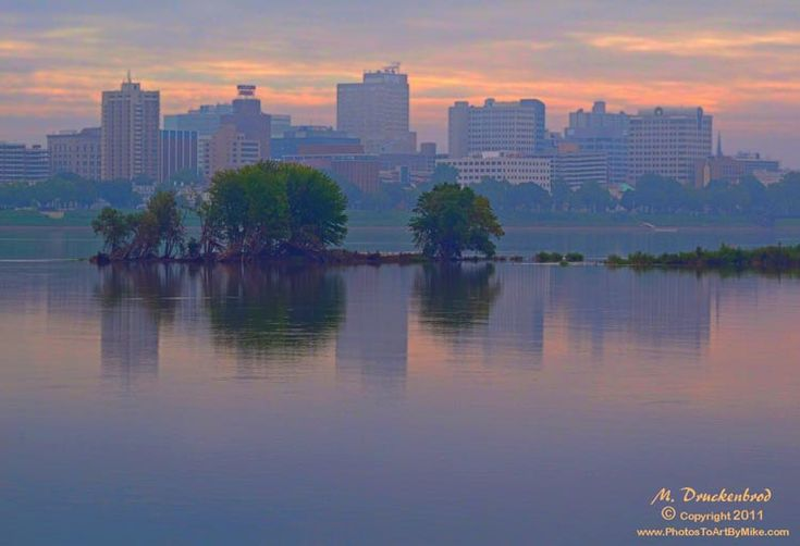 https://flic.kr/p/aCNXnK | Harrisburg PA, morning fog on the Susquehanna River | View of downtown from across the river. Print size 13x19 inches.