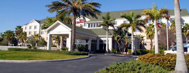 Enjoy affordable rates, free airport shuttle & in-room Internet near Bradenton and downtown Sarasota