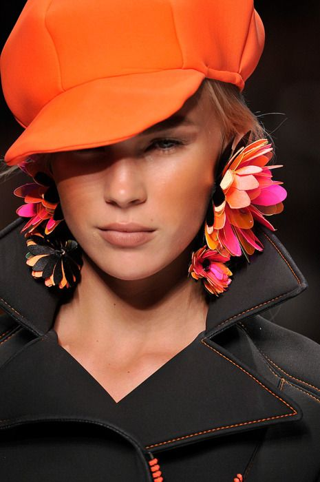 *** ♣ Big Orange Hat & Big Ol' Earring - Pretty Nice Style