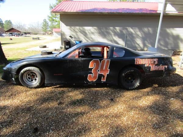 Sportsman RACE CAR W/355 Chevrolet Engine Manual Transmission