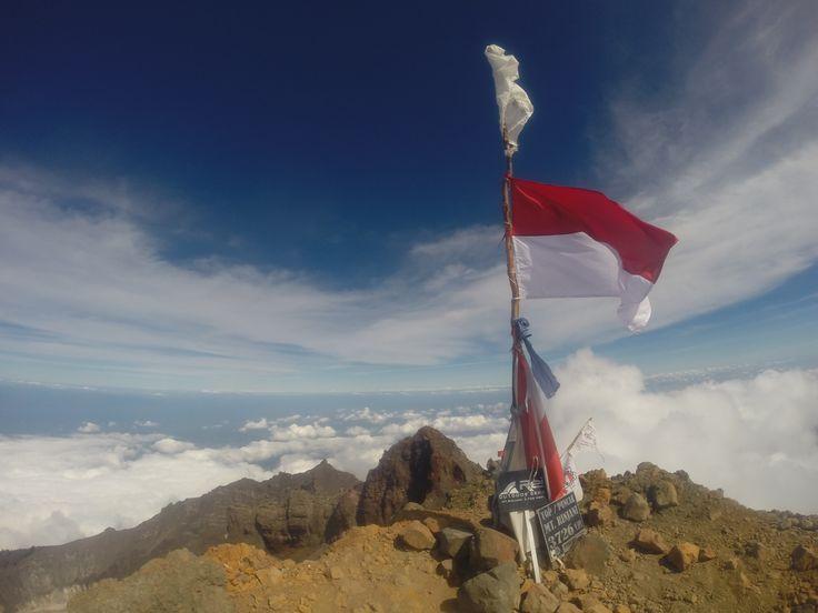 Rinjani Summit, Lombok, Indonesia. 3726 .