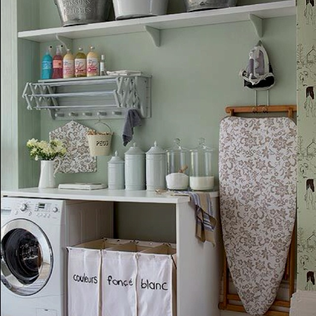 Cute laundry room idea! Laundry room inspiration