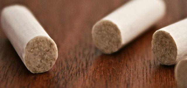 Un filtre biodégradable de cigarette permet de rendre les rues plus propres en cas de mégots jetés - http://hellobiz.fr/un-filtre-biodegradable-de-cigarette-permet-de-rendre-les-rues-plus-propres-en-cas-de-megots-jetes/