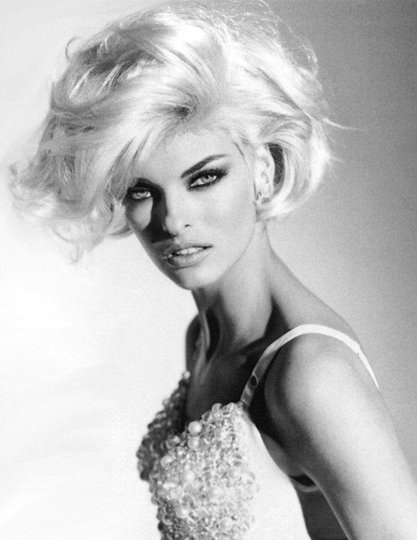 Linda Evangelista - my favorite model of all time!