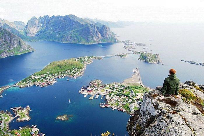amazingAmazing, Favorite Places, Nature, Vacations Spots, Beautiful Places, Travel, Ocean View, Mount Reinebringen, Norway