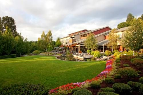 Cedarbrook Lodge (18525 36th Avenue South) Offering a free shuttle to Seattle-Tacoma International Airport, less than 10 minutes' drive away, this hotel also features free Wi-Fi in all guest rooms. Copperleaf Restaurant and Bar is onsite. #bestworldhotels #hotel #hotels #travel #us #washington