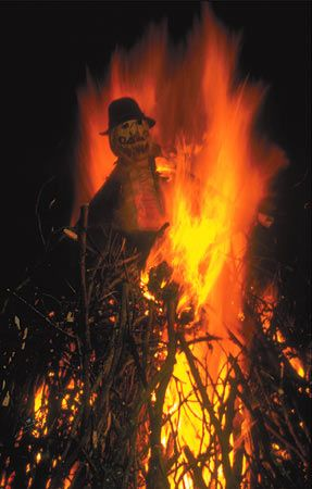 Guy Fawkes Night (bonfire night) 5th of November. Celebrated all over the UK on the same date that Guy Fawkes & his fellow conspirators planned to blow up the House of Lords, London. #tradition
