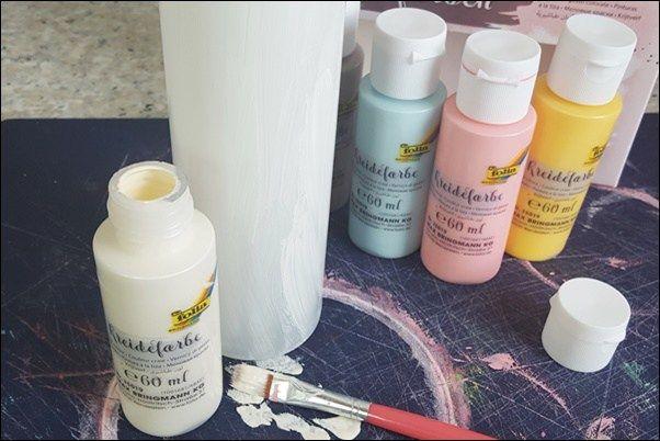 Vasen mit Kreidefarbe