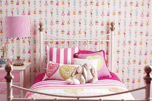 ورق جدران غرف نوم بنات بأشكال وألوان جميلة و جذابة ديكورموز Childrens Bedroom Wallpaper Childrens Curtains Bedroom Decorating Tips