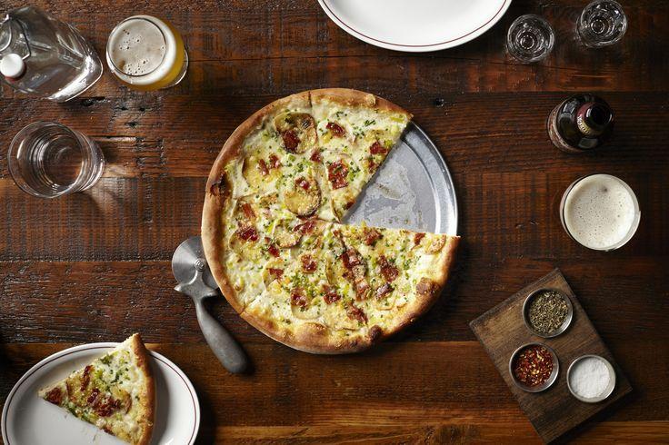 Pizza review: Parlor Pizza Bar - redeyechicago.com