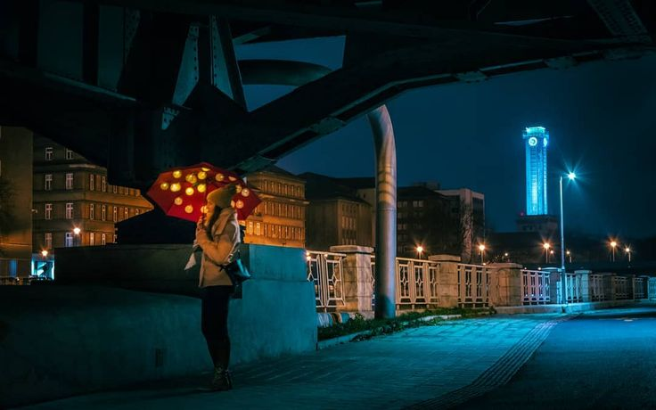 Procházka #walk #nightwalk #moody #industrial #bridge #downtown #townhall #umbrella #light #500px #vsco #instagood #instadaily #from #ostrava #ostravacity #by #janjasiok