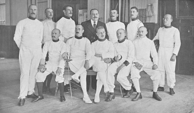 #flashbackfridays Hungary's Men sabre team at the #olympics #Stockholm #1912. @magyarvivas by fencing_fie