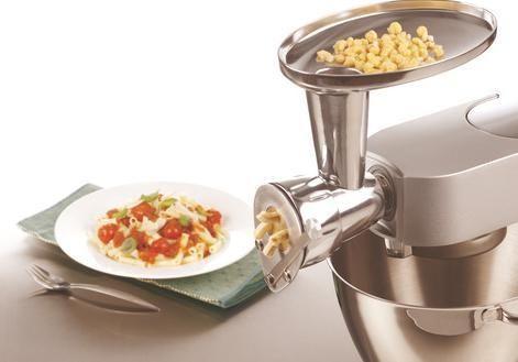 Non c'è nulla di più soddisfacente in cucina che preparare pasta fresca. Con il Torchio potrete finalmente preparare tantissimi formati di pasta trafilata al bronzo. Divertitevi ìn cucina con Kenwood!