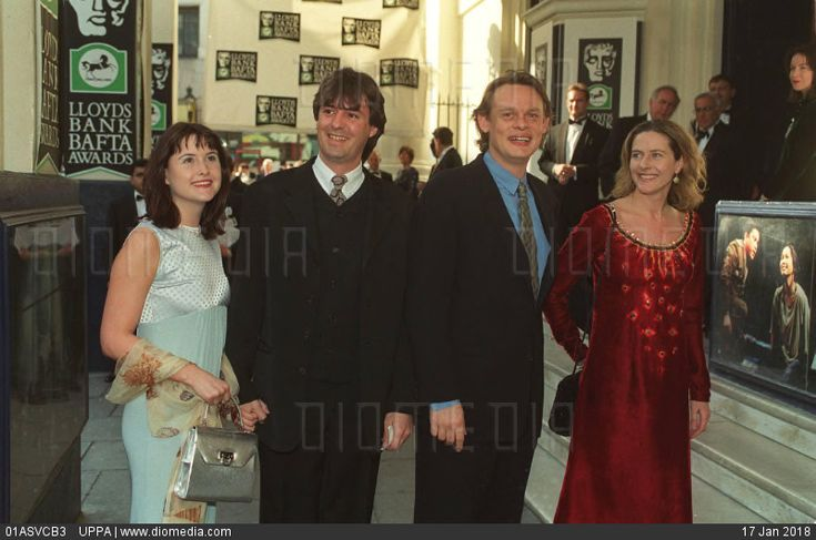 Centre Left: NEIL MORRISSEY Centre Right: MARTIN CLUNES British Actors With un-named friends (Arriving at the 1996 Lloyds Bank BAFTA Awards) COMPULSORY CREDIT: UPPA/Photoshot Photo UIW 01138... - stock photo