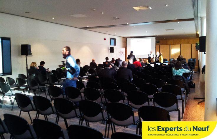 Salon de l'#Immobilier de #Montpellier 5 conférences au programme ce jour. Celles d'hier furent particulièrement intéressantes, photo de la salle avant l'arrivée de la foule !