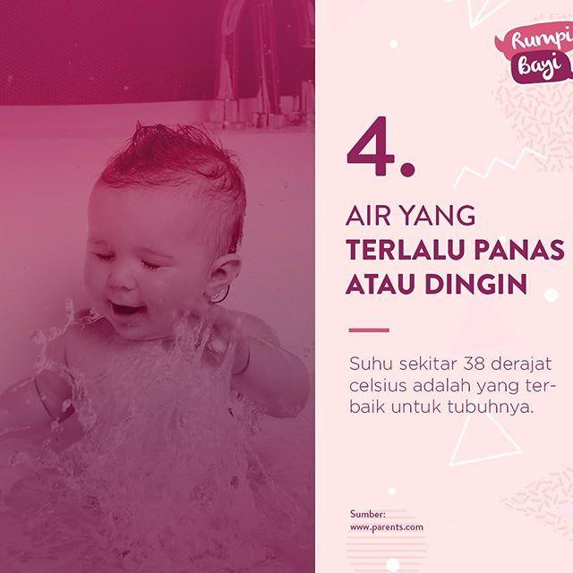 Untuk menghilangkan bakteri yang menempel pada tubuh, tentu mandi menjadi jalan terampuh. Terlebih untuk buah hati. Meski begitu ternyata banyak hal yang harus diperhatikan saat akan memandikannya jangan sampai terjadi kesalahan dan memberi dampak buruk bagi buah hati. Kesalahan apa saja sih yang sering luput dari Mama saat memandikan buah hati?#infographic#5#kesalahan#memandikan#buah#hati #tipsbayi #babytips #babyhealth #rumpibayi