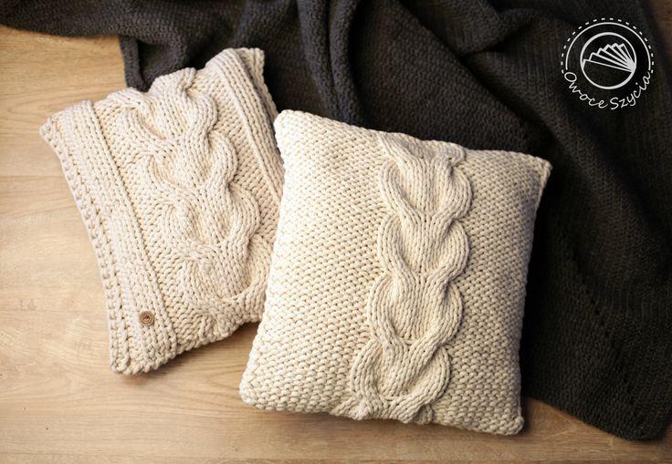 Poduszki z warkoczem robione na drutach