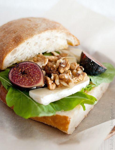 f for food: Утренний сэндвич с камамбером и инжиром (из кафе Brunch and Cake в Барселоне)/(Breakfast sandwich with camembert and figs)