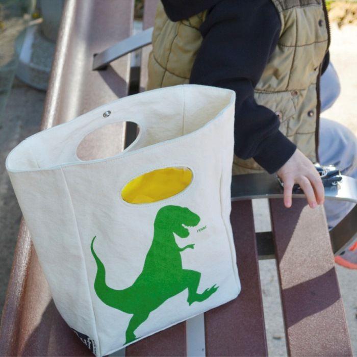 Επαναχρησιμοποιούμενη τσάντα φαγητού από οργανικό βαμβάκι. Εσωτερική πλενόμενη φόδρα, μαγνητικό κούμπωμα. Σχέδιο T-Rex. Το τέλειο οικολογικό δώρο!