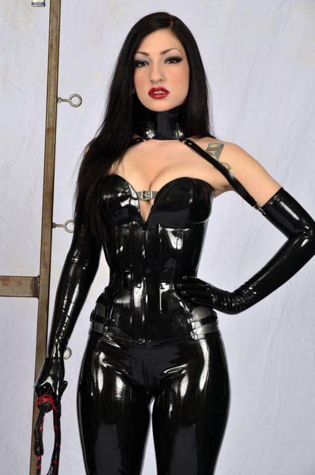 Jessica nigri cinder cosplay