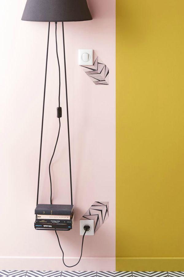 Une Touche Deco Dans Le Salon Avec Des Dessins Autour Des Prises Et Interrupteurs Deco Deco Rose Tendance Deco
