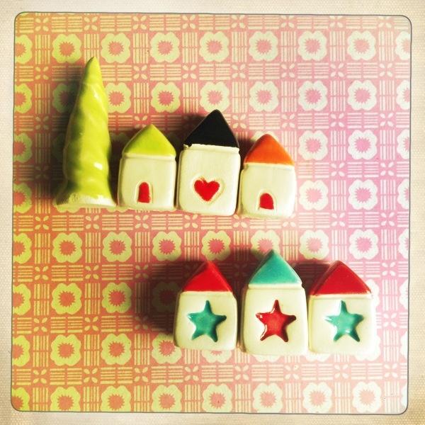 Little House de @thelittlereddoor  http://www.etsy.com/shop/thelittlereddoor