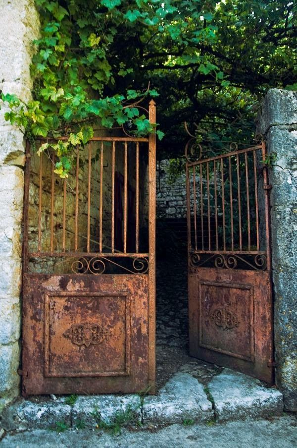 Lovely rusty garden gate
