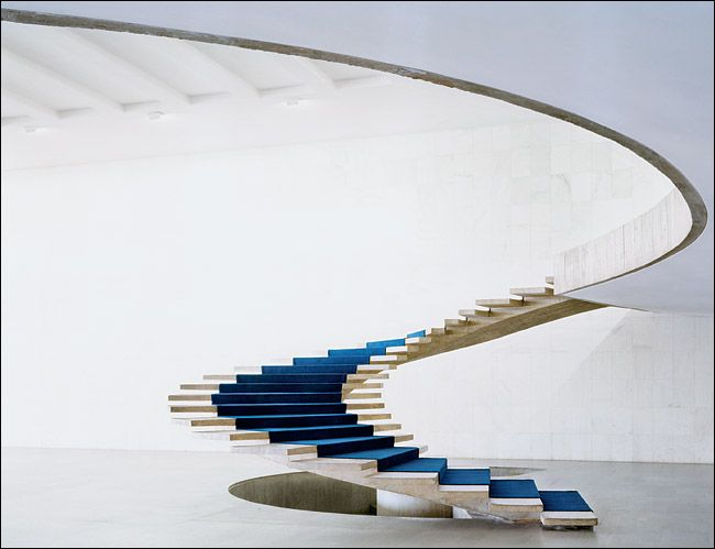 PLACER... palácio do itamaraty in brasilia, white  + blue spiral staircase :: oscar niemeyer