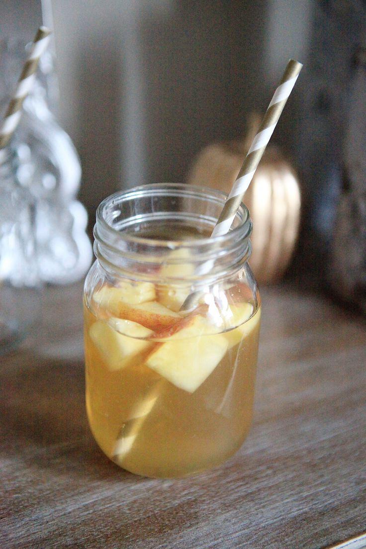 Thanksgiving Recap (and Apple Cider Sangria Recipe)
