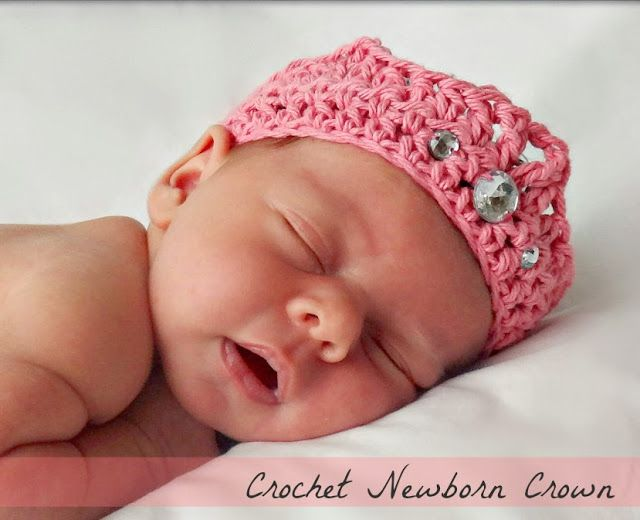 free beginner crochet newborn crown pattern from Domestic Bliss Squared