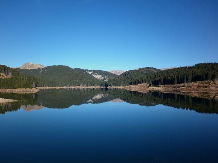 Lacul Bolboci este un lac de baraj natural în Masivul Bucegi, pe râul Ialomița, în spatele barajului Bolboci, cu un volum util de 13 milioane m³. În lacul Bolboci se varsă și râul Bolboci.