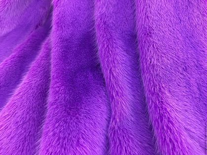 Купить или заказать Мех норки 'Пурпурный' в интернет-магазине на Ярмарке Мастеров. Мех норки,крашенный в пурпурный цвет,самка,длина шкурки 55-57 см.В наличии 5 штук.