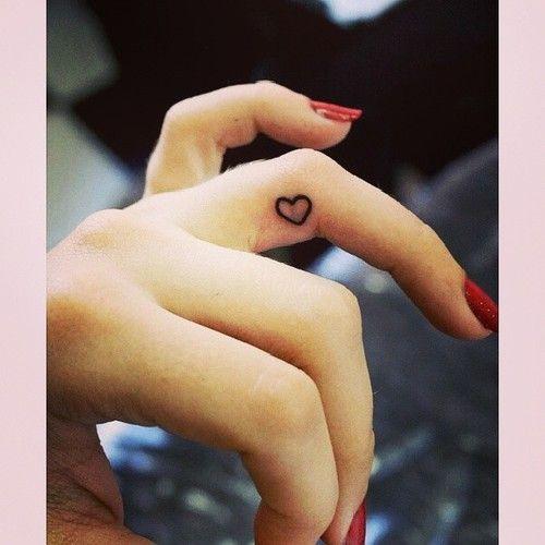 tattoos de chaves no dedo - Pesquisa Google
