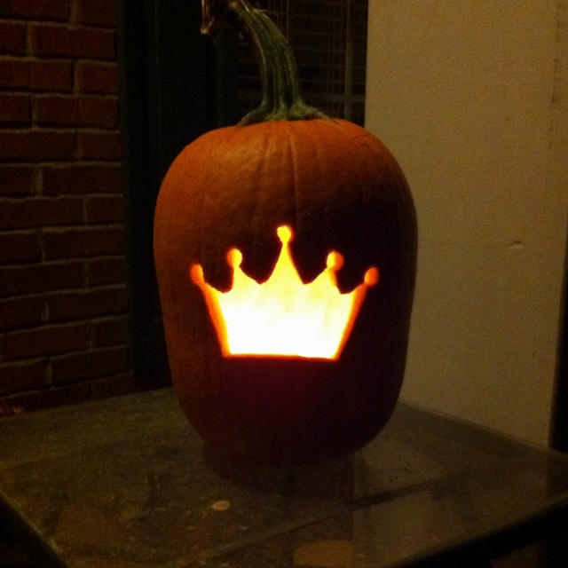 May try this next halloween with Kay, it can be her Princess Pumpkin!