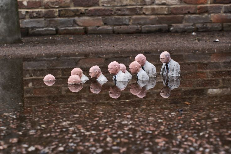 Follow-the-leaders-london by Isaac Cordal Spanish Urban Artist.