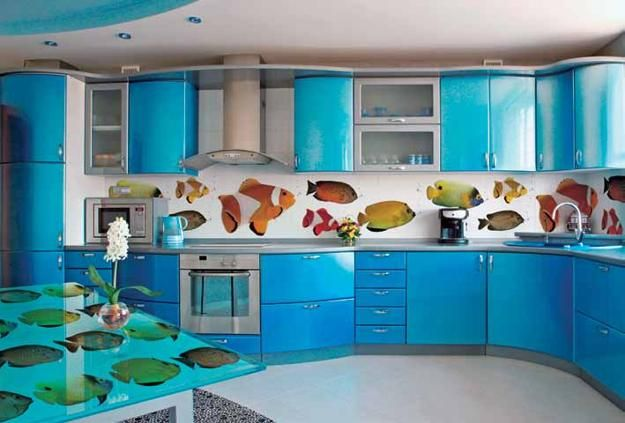 modern kitchen backsplashes made with glass panels and digital printing