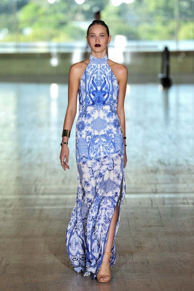 Lisa Ho Ready-to-Wear S/S 2013/14- beautiful backdrop! (for a change)