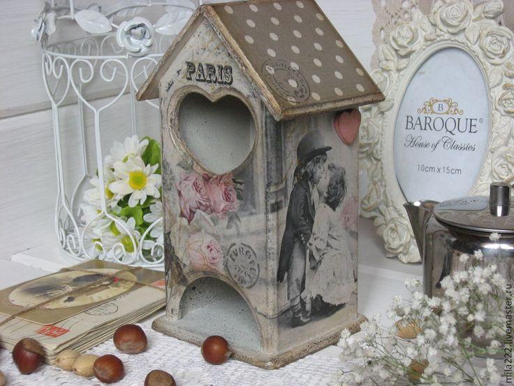 Купить или заказать 'Мой Париж'-чайный домик в интернет-магазине на Ярмарке Мастеров. Милый, нежный, старенький, провинциальный домик для чайных пакетиков, декорированный в технике декупаж, в моём любимом винтажном стиле... Париж....двое...романтика...сердце...одно- на двоих...любовь...мечты... Именно такие милые вещи делают наш дом тёплым и уютным!! Домик для чайных пакетиков-отличный и оригинальный подарок для Вашего близкого человека... Домик имее…