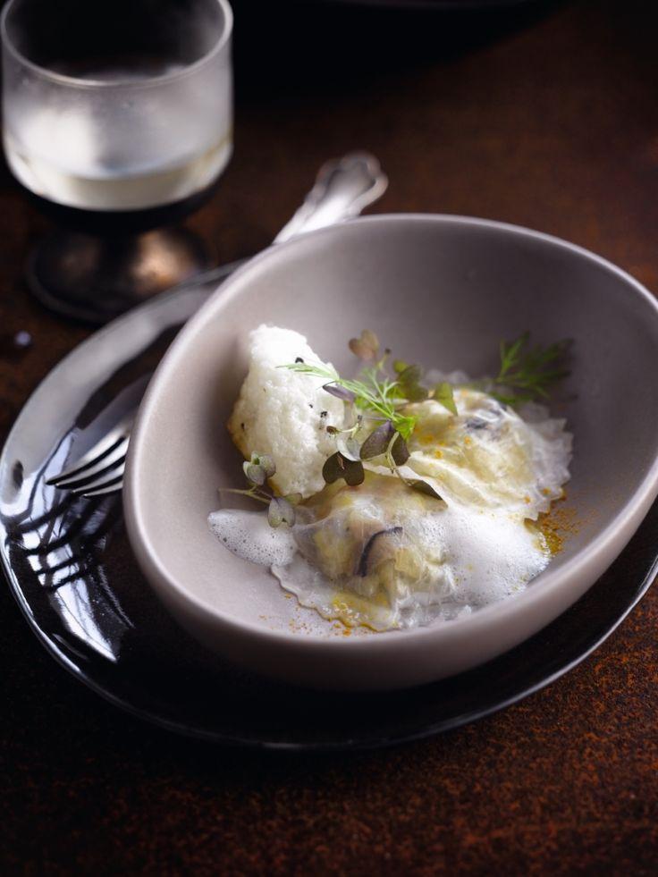 Ravioli met groene appel en oesters http://njam.tv/recepten/ravioli-met-groene-appel-en-oesters