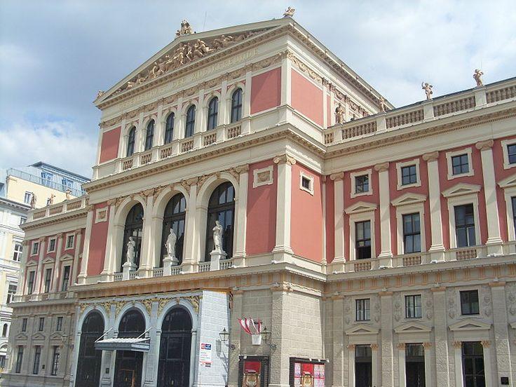 MUSIKVEREIN - Sala da concerto considerata tra le più eleganti al mondo, insieme alla Symphony Hall di Boston e alla Concertgebouw di Amsterdam. (Musikvereinsplatz 1,  Wien)