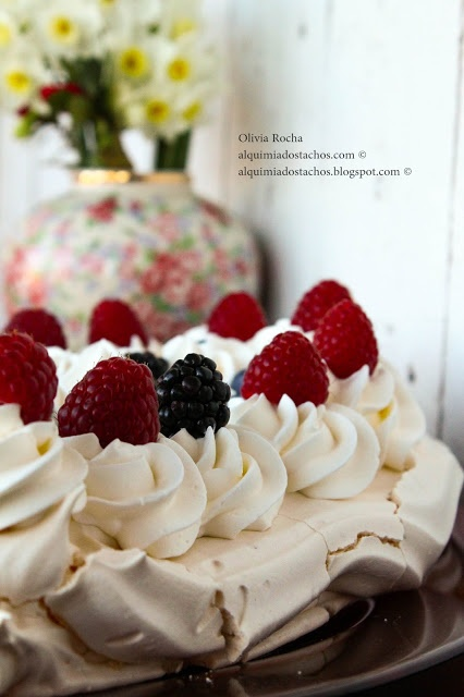 ... Pavlova on Pinterest | Chocolate strawberries, Pavlova and Tropical