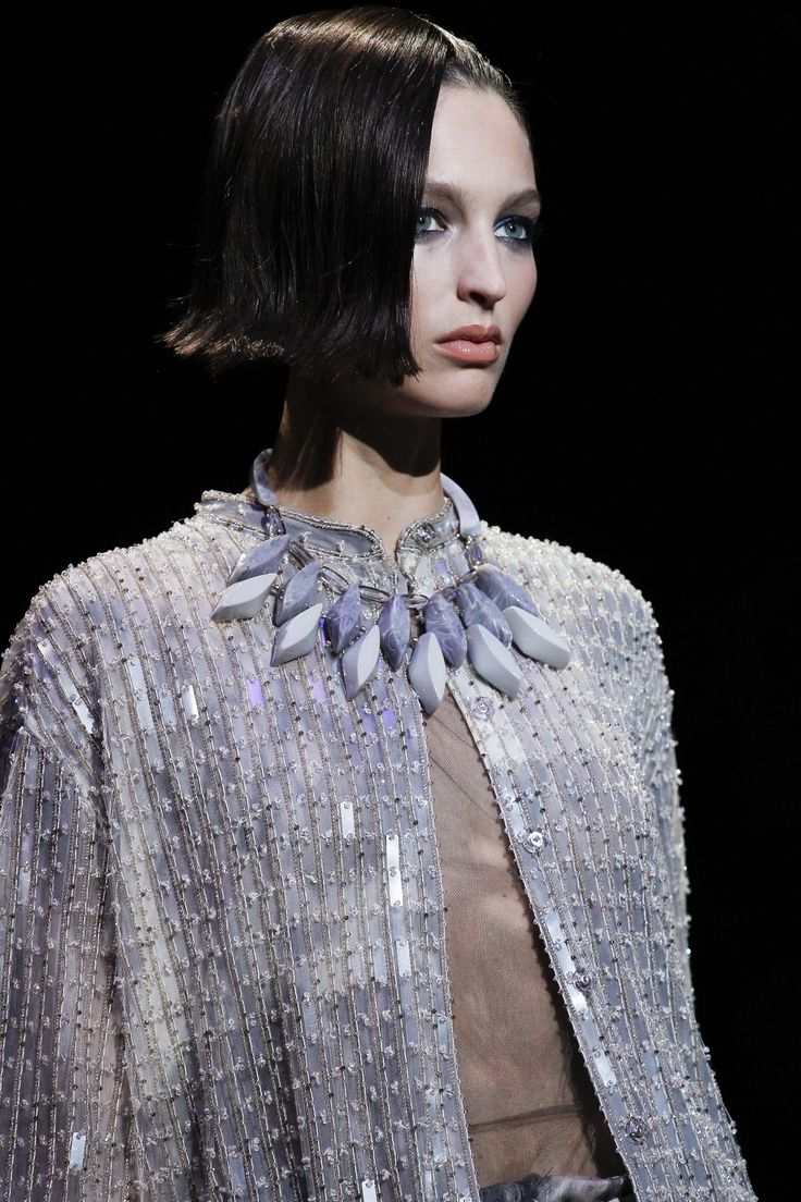 Giorgio Armani Spring 2017 Ready-to-Wear Fashion Show Details