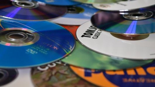 """Play it again Sam: Fujitsu recycles old CDs and DVDs into new notebooks •   """"Fujitsu has developed a new recycling system to make new front panels for notebook computers from discarded CDs and DVDs"""" • story & photo by Paul Ridden ~ Gizmag"""